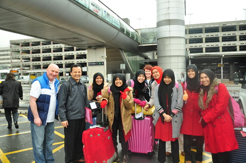 Guru Darunnajah Cipining Ikuti Teacher Exchange Program ke London