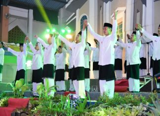 Folk Song Competition Among Dormitories
