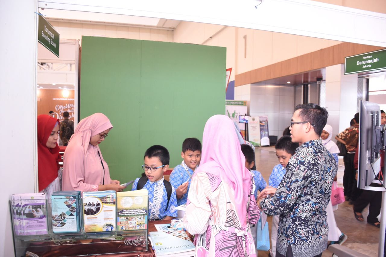Pesantren Darunnajah Berpartisipasi Membuka Stand International Islamic Education